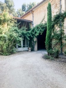 hotel.review.la.nesquiere.barn