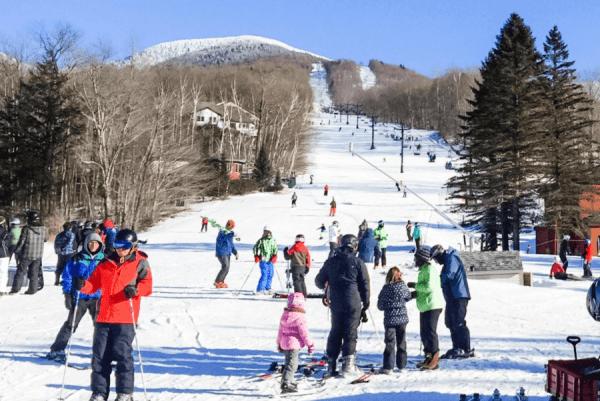 smugglers-notch-family-ski-resort-new-england-ski-slope-morse-mountain