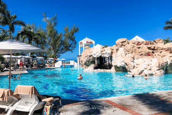 beaches-sesame-street-caribbean-pool