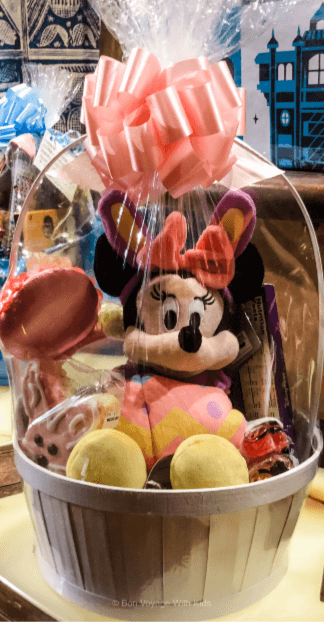 easter-at-disney-minnie-easter-basket