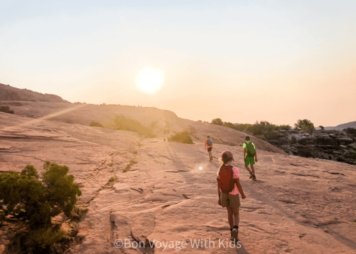 essential-hiking-gear-kid-friendly-hike-arches-national-park