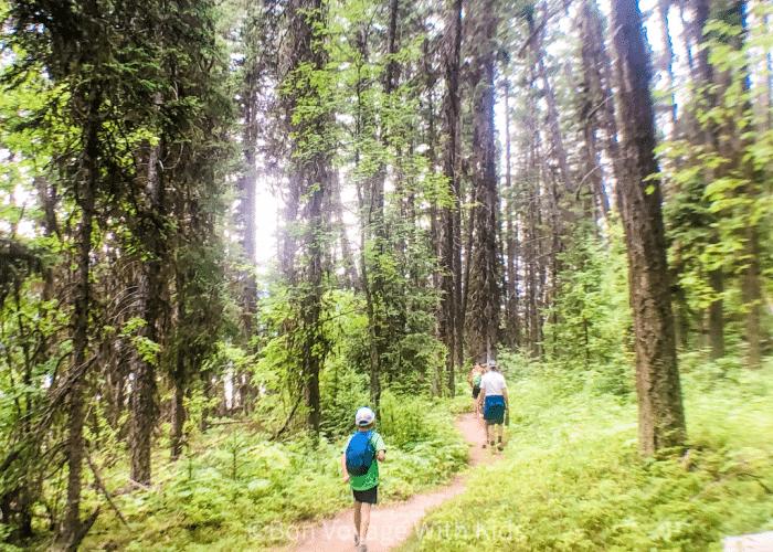 essential-hiking-gear-kid-friendly-hike-vail