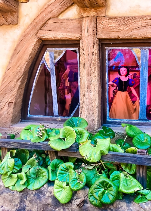 best disney world rides for preschoolers and school age 7 dwarf's mine ride snow white in house