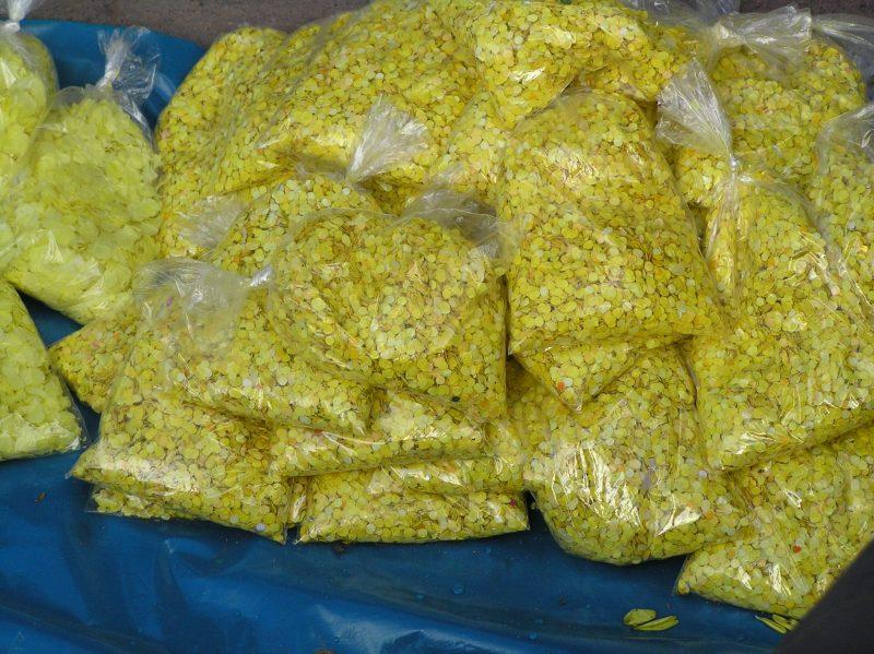 yellow confetti for good luck in Peru