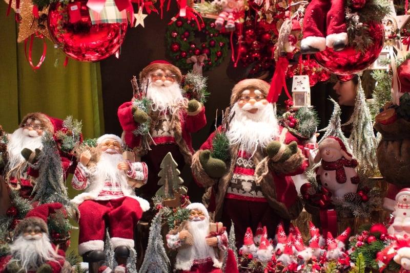 Italian Santa Around The World