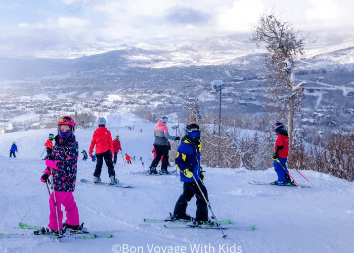 ski-trip-packing-list-kids-on-ski-slope