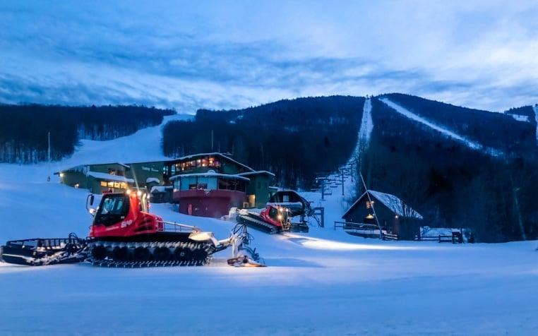 best-ski-resorts-in-vermont-cat