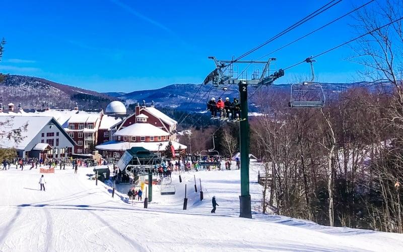 best-ski-resorts-in-vermont-slope-near-base