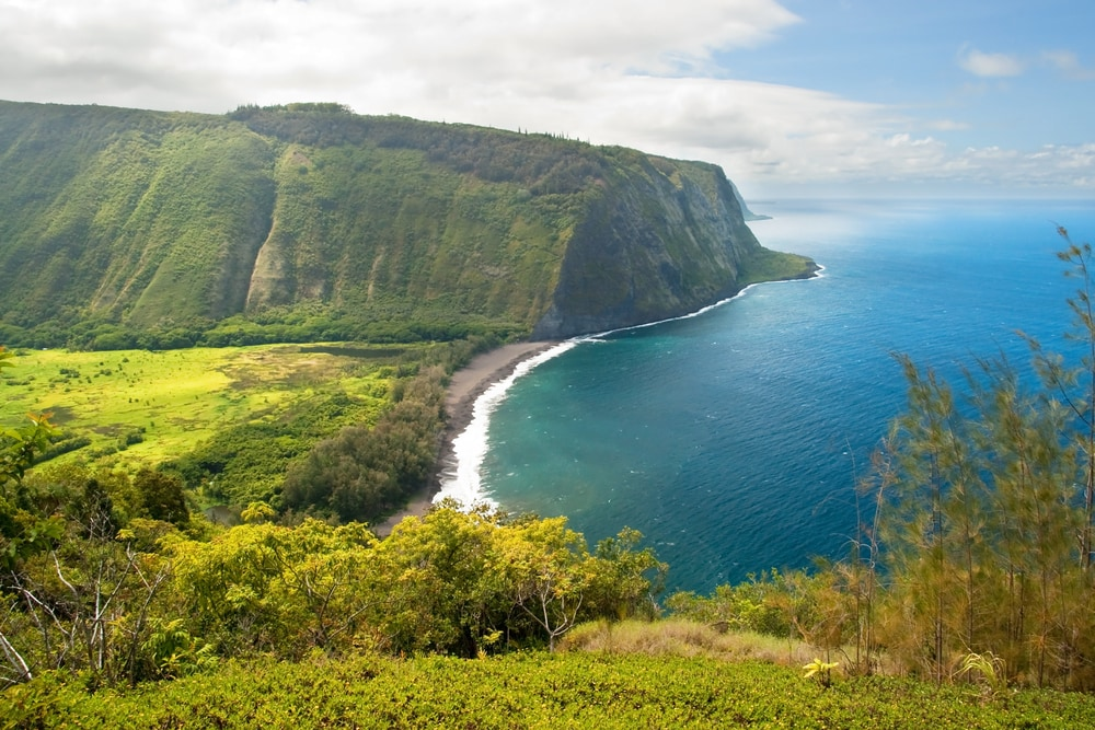best-hawaiian-islands-for-families-waipio-valley-big-island