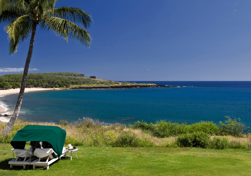 best-hawaiian-islands-for-families-manele-bay-lanai