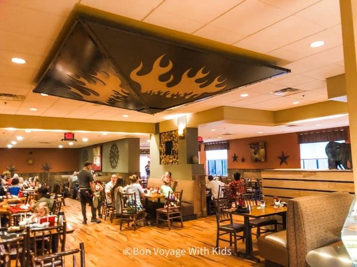 great-wolf-lodge-massachusetts-restaurant