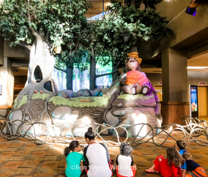 great wolf lodge massachusetts show area