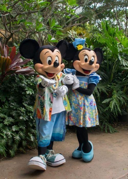 Minnie and Mickey posing at Disney's Aulani